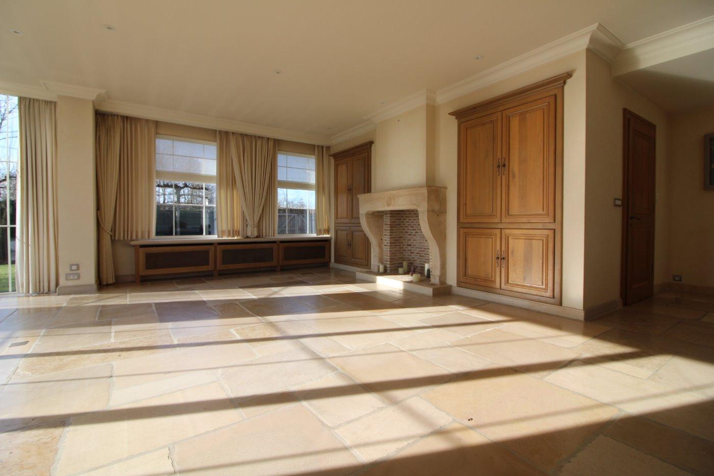Panorama residentieel kantoor kortrijk villa te koop ledegem